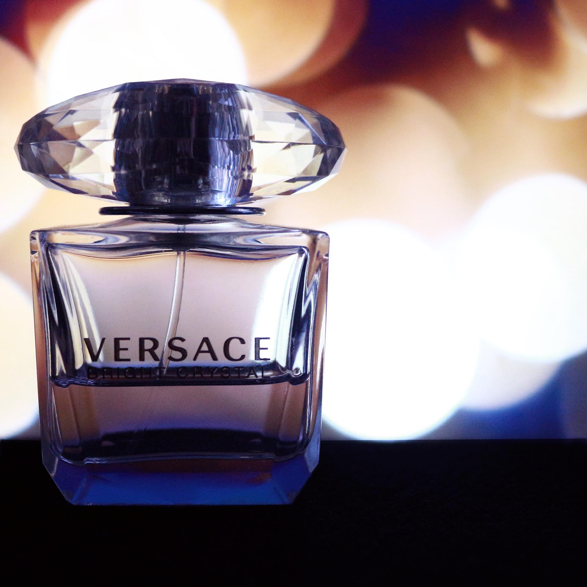 Váhy A Versace