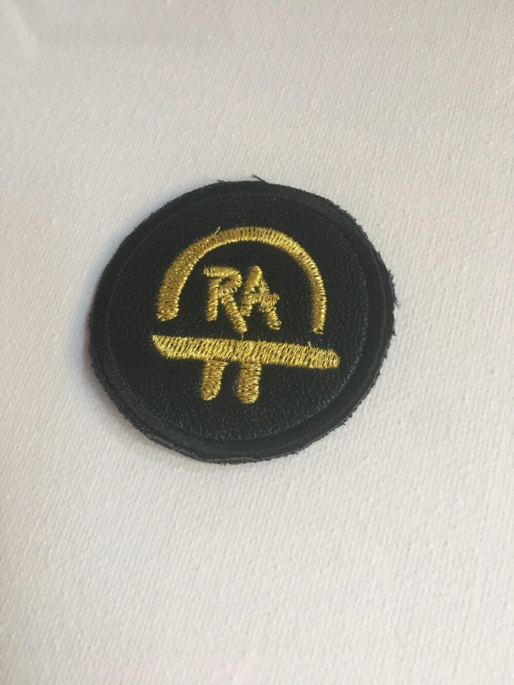Nášivka S Ochranným Symbolem RA – černá 5 Cm